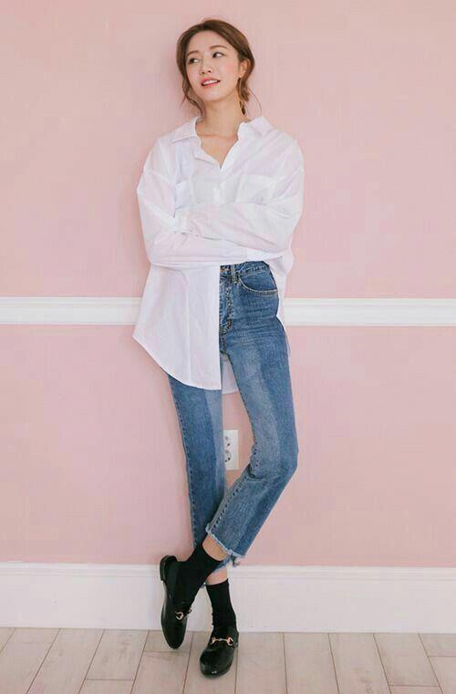 Áo sơ mi trắng + Quần Jean cạp cao
